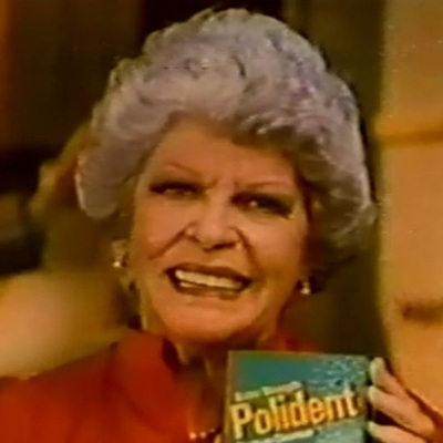 Late actress Martha Raye wore dentures.